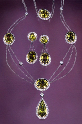 Chrysoberyl and Diamond Set