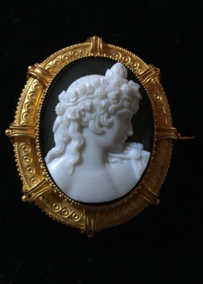 Antique Cameo Broch